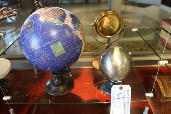 All to go - Table top globes & brass compass