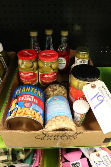 All to go - Peanuts, pickles, Grenadine