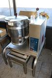 Groen TDH-20 - 20 quart jacketed steamer kettle - natural gas