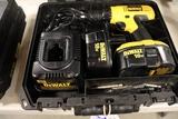 DeWalt 18 volt cordless drill w/ extra battery & charger