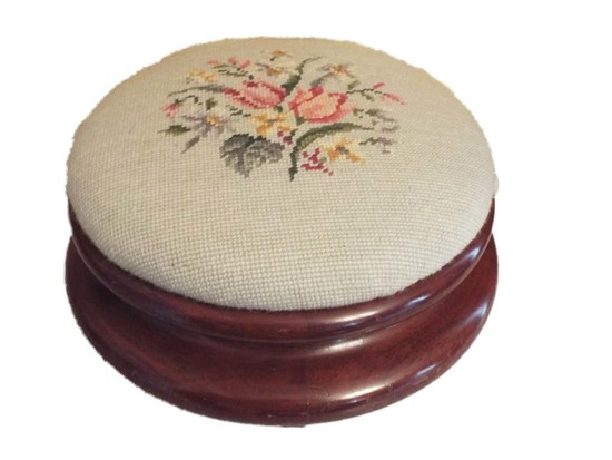 Round needlepoint foot rest