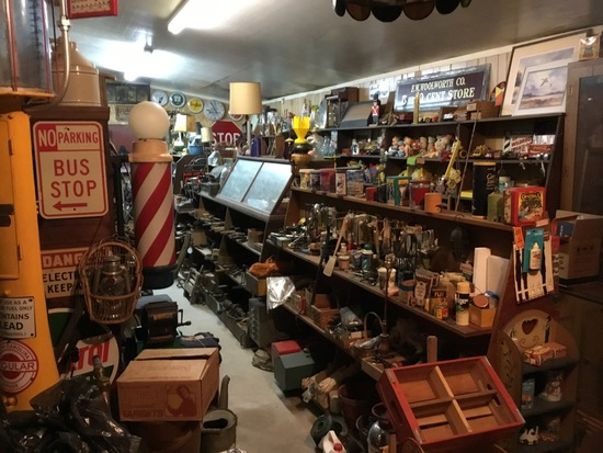 Antique and Vintage Collectible Auction!