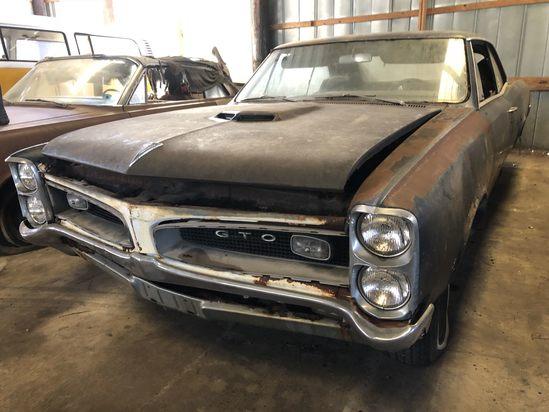 Classic Car Collectors & Restorers Auction!