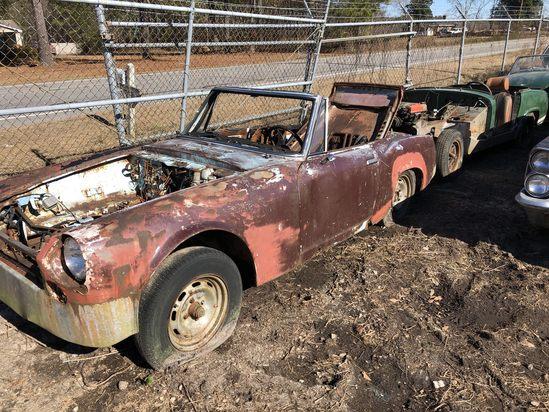 Datsun 1600  Color:  Rust