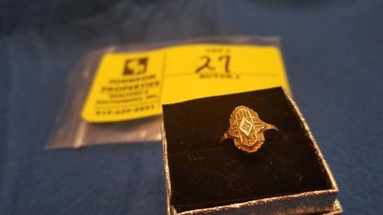 Estate Jewelry:  Yellow Gold Ring w/1.0 mm diamond center, 10 K Yellow Gold