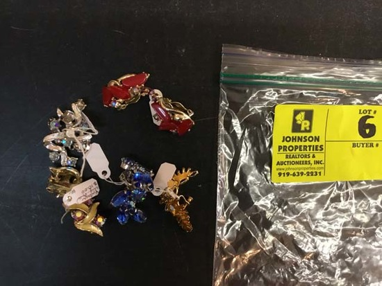 Bag of Fashion Jewelry, Earrings