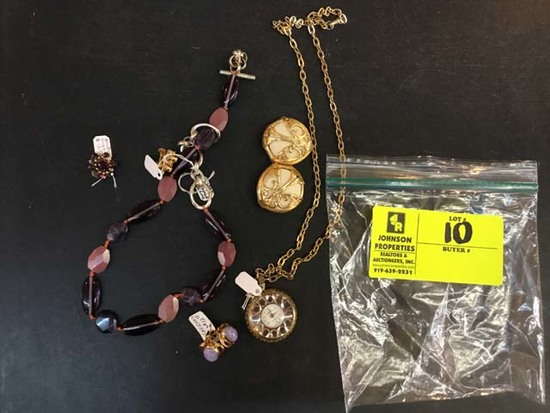 Bag of Fashion Jewelry, Miscellaneous Pieces (Necklace, Earrings, etc)