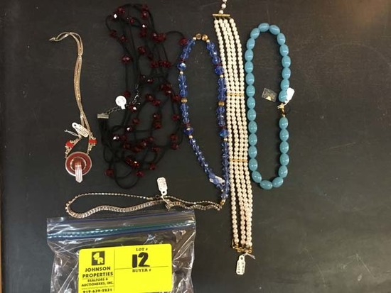 Bag of Fashion Jewelry, Necklaces