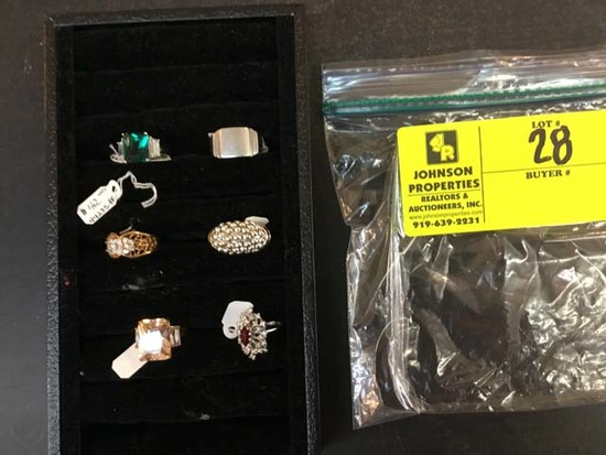 Bag of Fashion Jewelry, Rings, some sterling silver