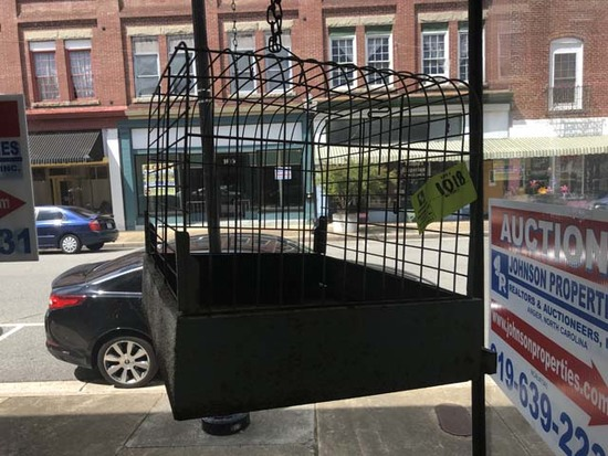 """Gray Metal Bird Cage with Slide Out Bottom, 20""""x15""""x15"""""""