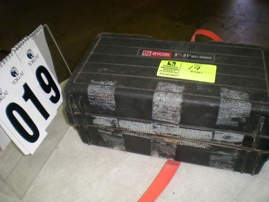 "Ryobi 3"" x 21"" belt sander B-7075K, case is broken"