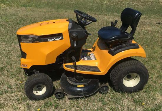 2019 Cub Cadet XT1 LT42 Riding Mower