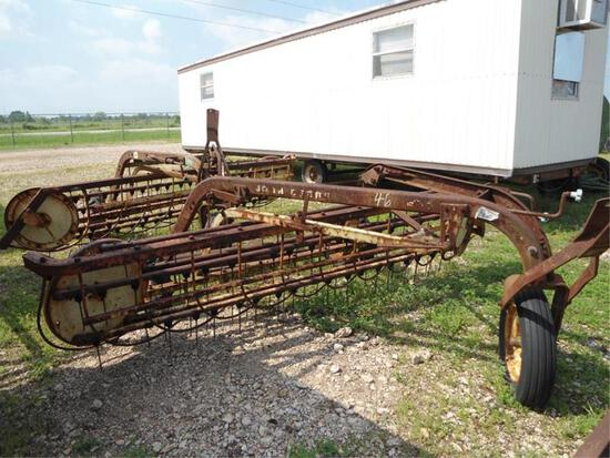 JOHN DEERE 670, JOHN DEERE 671 RAKES W/DOLLY WHEELS