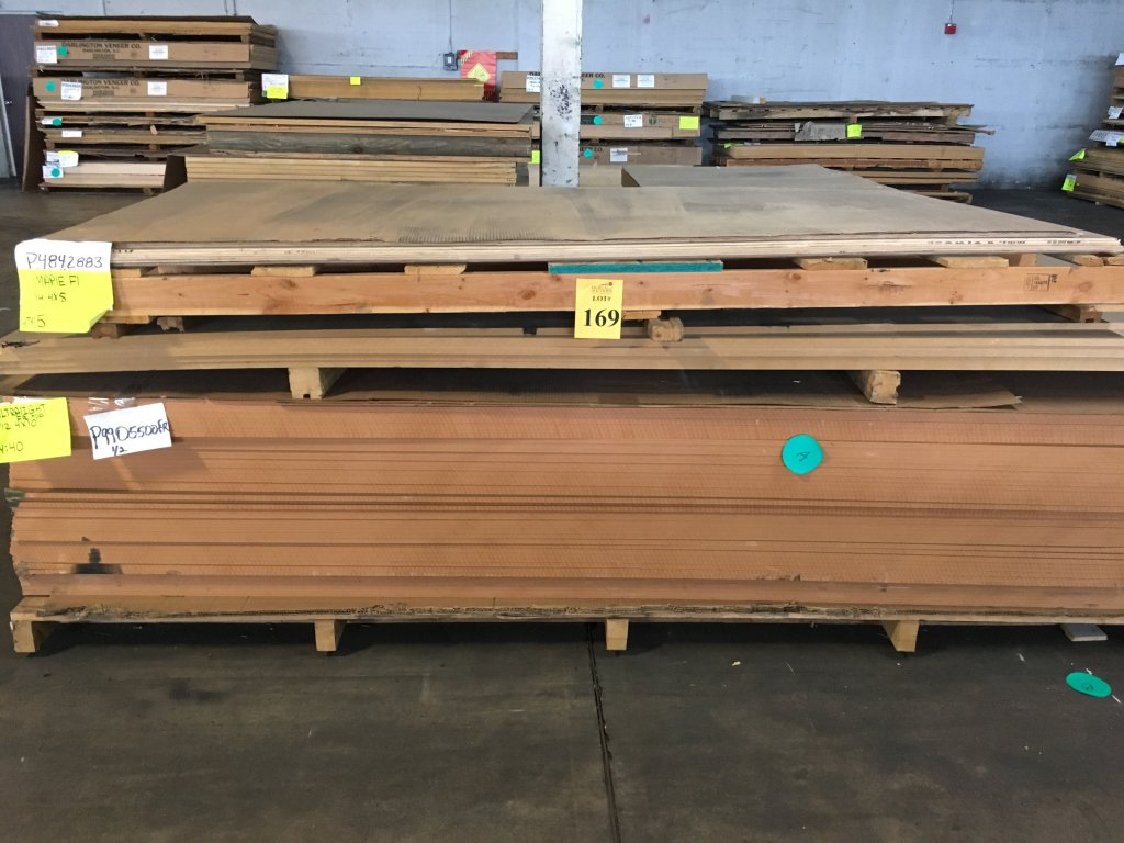 Lot: PALLET CONSISTING OF APPROXIMATELY (40) 4' X 10' SHEETS
