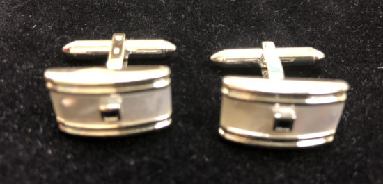 PAIR OF 14K WHITE GOLD CUFFLINKS