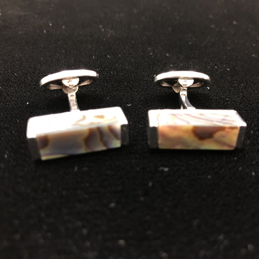 PAIR OF JAN LESLIE HAND PAINTED DESIGNER CUFFLINKS