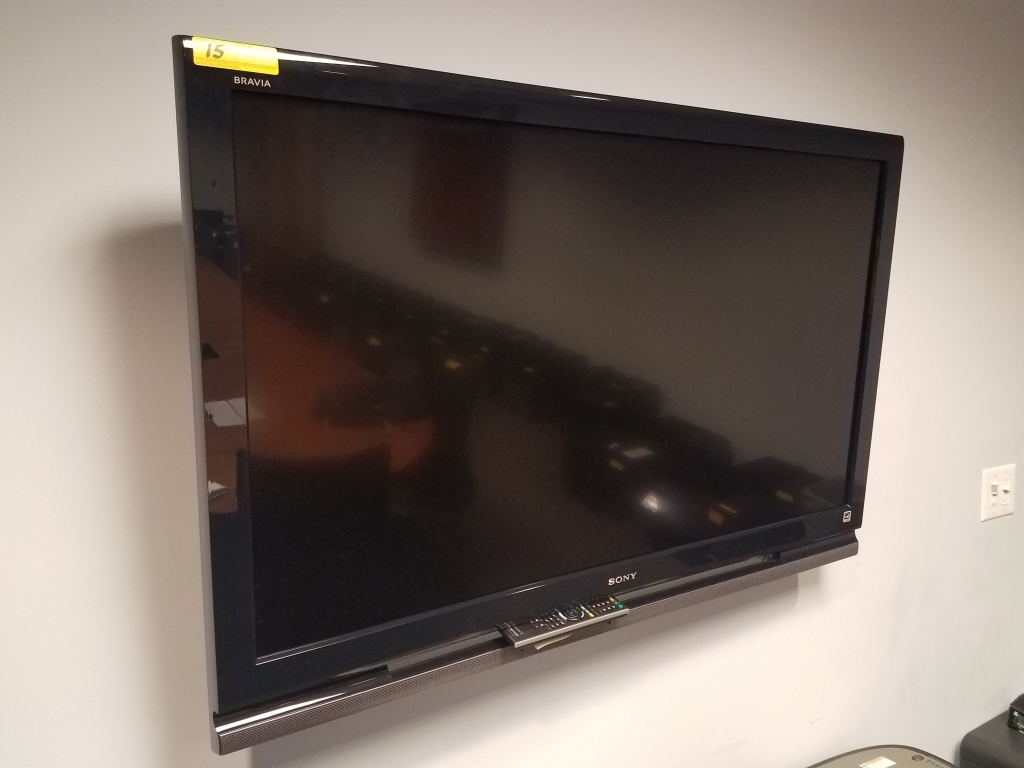 "SONY BRAVIA 52"" LCD HDTV WITH BRACKET MOUNT"