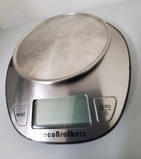 ASSORTED DIGITAL SCALES