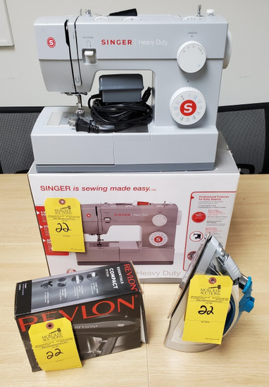 LOT CONSISTING OF SINGER SEWING MACHINE