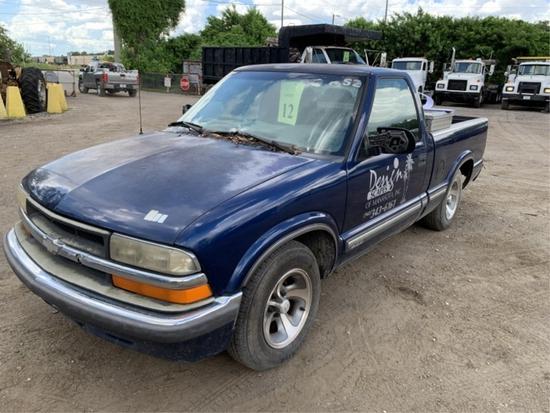 2001 CHEVROLET S10 REGULAR CAB PICKUP TRUCK