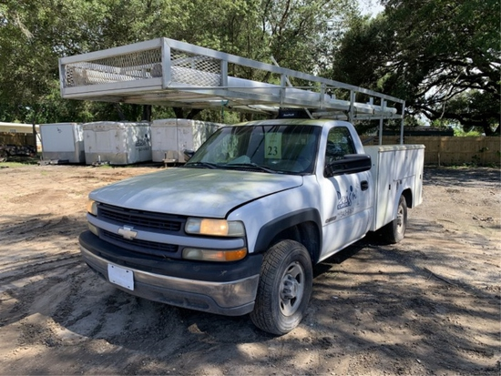 2001 CHEVROLET SILVERADO 2500 REGULAR CAB PICKUP TRUCK WITH UTILITY BED