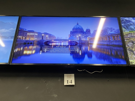 """LG 55"""" TV WITH WALL MOUNTING BRACKET"""