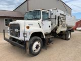1995 Ford L8000 Feed Truck