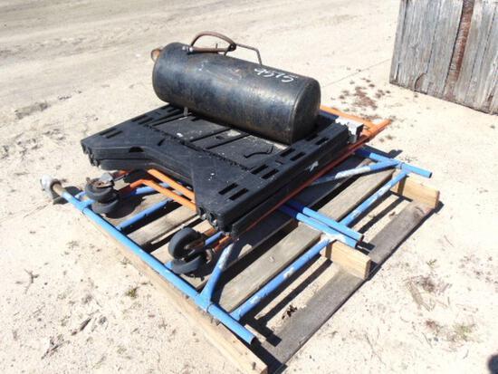 pallet of scaffolding & air tank