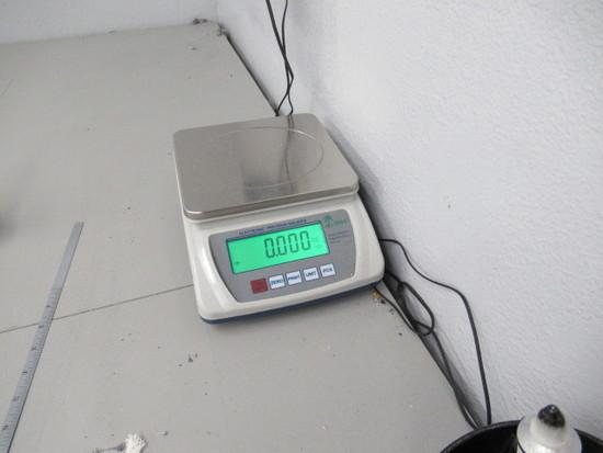 Tree 3,000 Gram Capacity Electronic Precision Balance, Model HRB3001