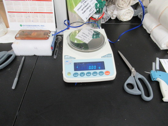 AND Digital Lab Scale, Model CB-200