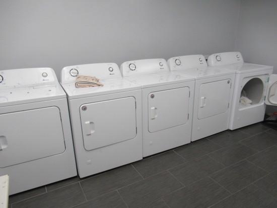 Amana Automatic Dryer, S/N M73155489
