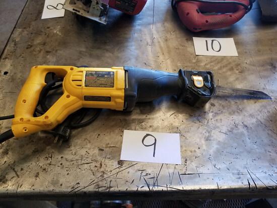 DeWalt Model DWE304 Reciprocating Saw; with 1-1/8 in. Stroke, 120-V, 10-A,