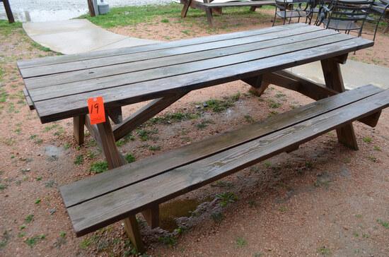 Lot - (2) Picnic Tables