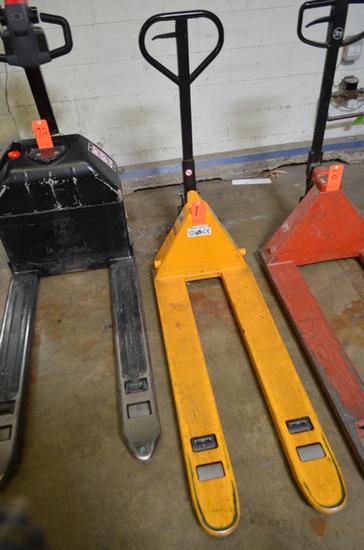 Uline Model H1193 5,500 lb. Capacity Narrow Fork Pallet Jack