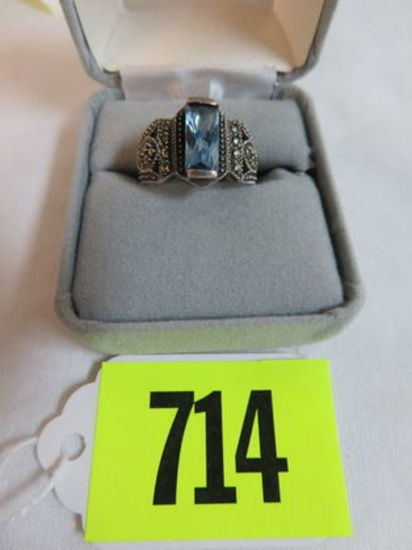 Beautiful Sterling Silver and Topaz Ladies Ring