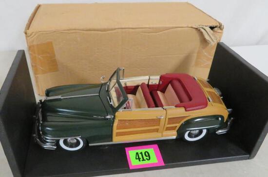Chrysler Motors 1/18 Scale 1948 Chrysler Town & County Woody Die Cast Car MIB