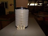 New Donaldson Air Filter, P527484 (M-16)