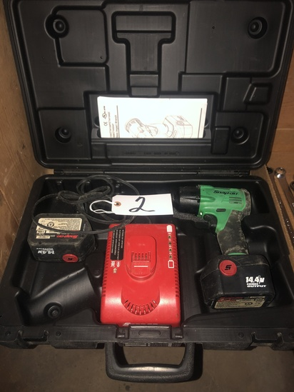 Snap On cordless impact wrench kit