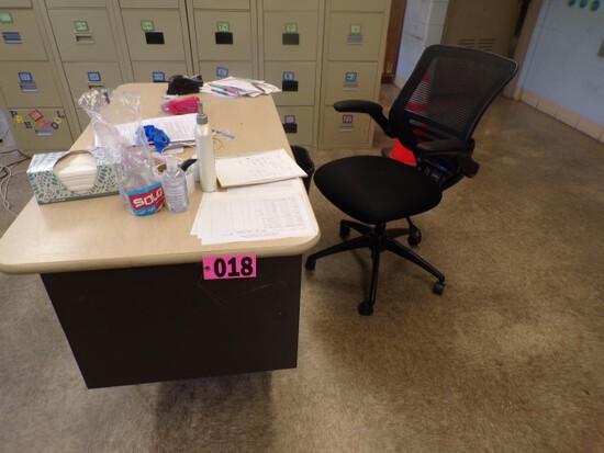 Teachers desk  (Rm 306)