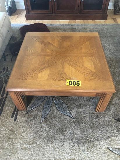 Wood coffee table  - NO SHIPPING NO SHIPPING