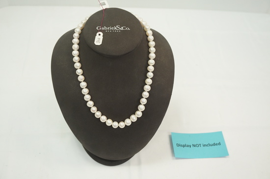 "Fresh Water Pearl Necklace (8.5-9.5mm on 18"" Chain w/14kt Clasp)"