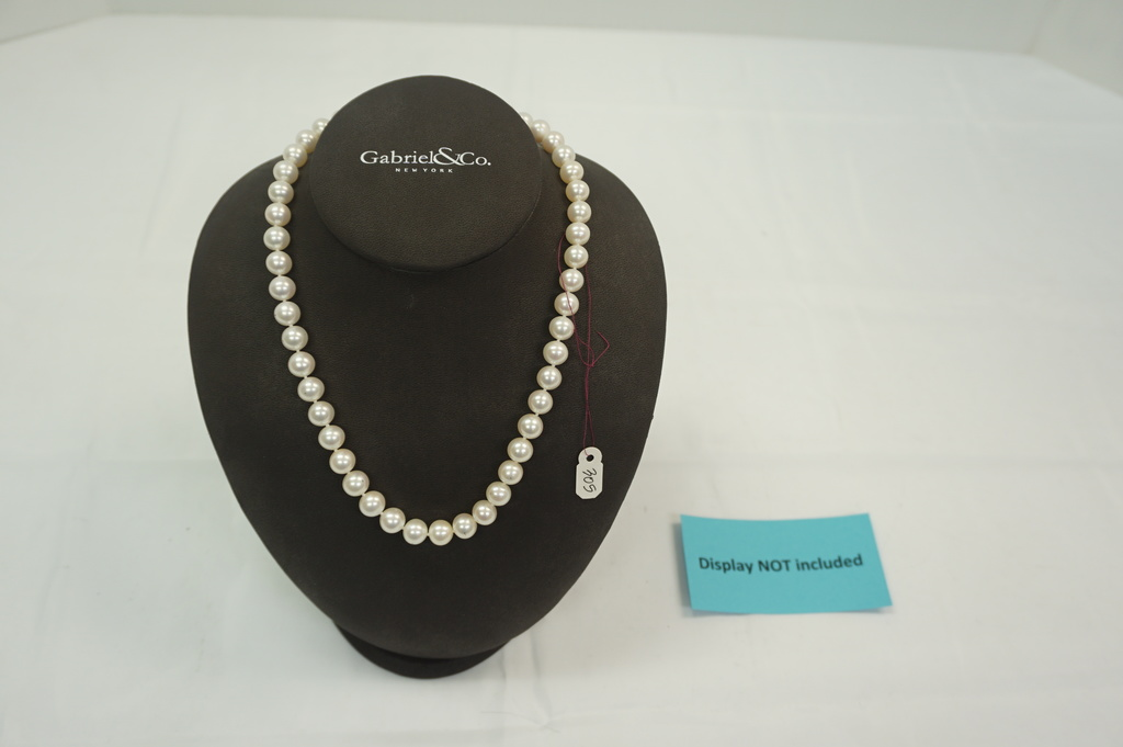 Fresh Water Pearls (9-10mm) w/ 14kt Clasp