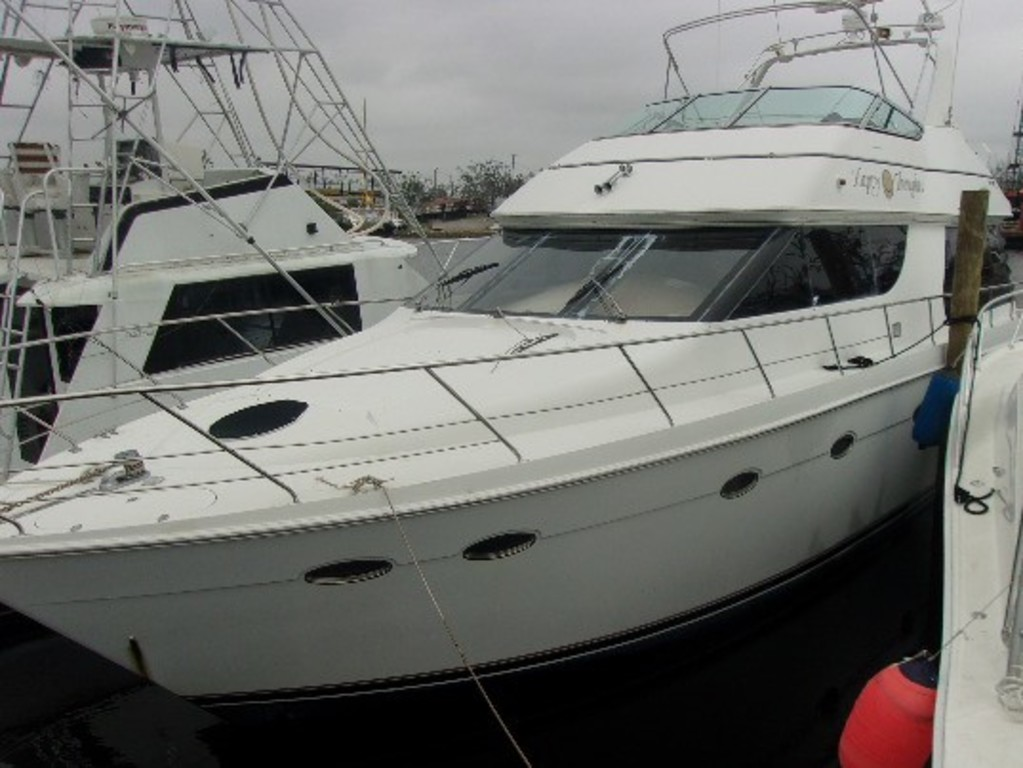 1999 Carver Voyager 53' Boat - Twin Inboard Cummins 608 Engines, 450HP - No Trailer