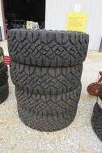 Set-Goodyear Wrangler Duratrac LT315/70R17 Tires