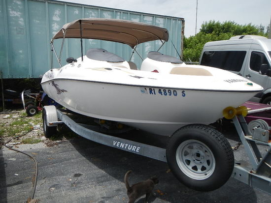 1999 YAMAHA LS 2000 TWIN ENGINE JET BOAT WITH TRAILER