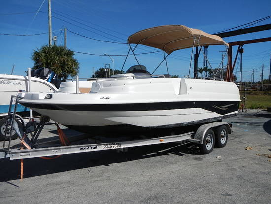 2001 STARCRAFT 20' STARDECK BOAT WITH TRAILER