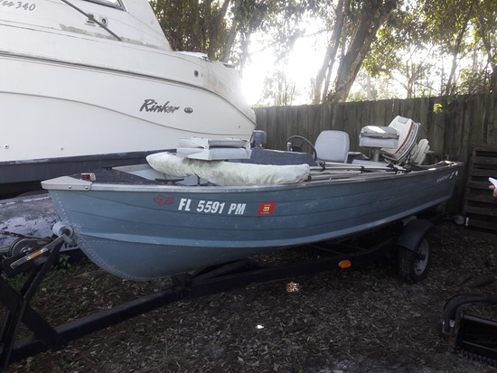 STARCRAFT 14' ALUMINUM BOAT WITH TRAILER