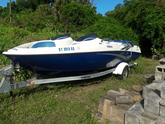 2003 YAMAHA 21' JET BOAT WITH TRAILER