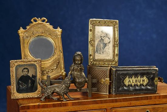 Collection of Miniature Images and Ornaments 500/700