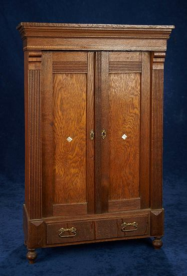 Doll's Oak Armoire with Fitted Interior 300/400